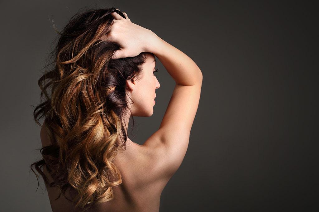 capelli schiariti in maniera naturale
